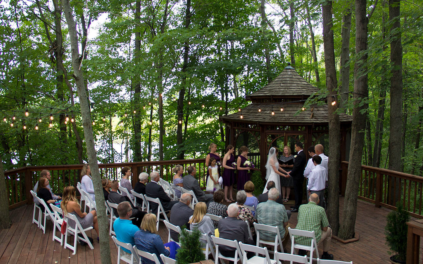 Allegan, Michigan Wedding ceremony at the gazebo