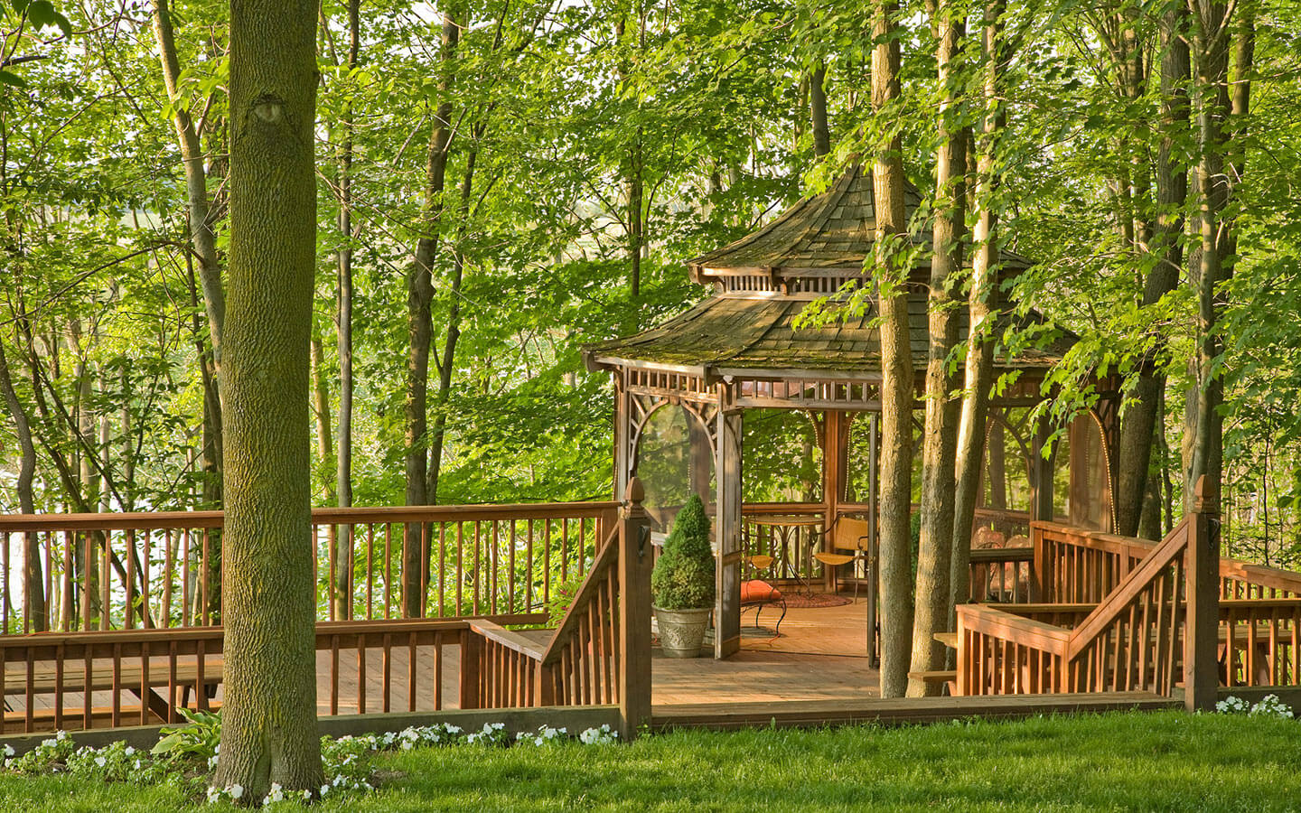 Romantic getaways in Michigan on deck with gazebo