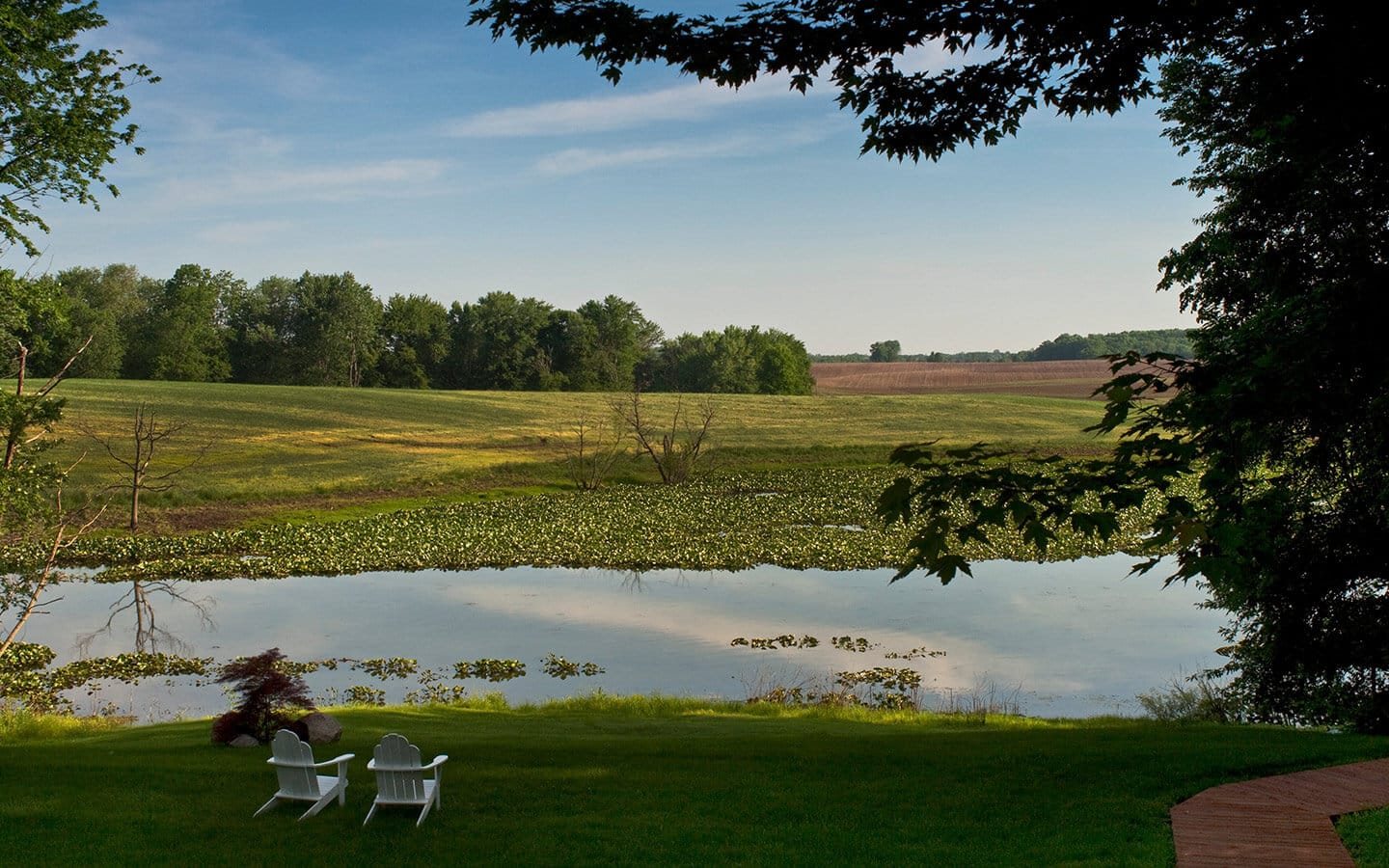 Romantic getaways in Michigan by the lake in the summer