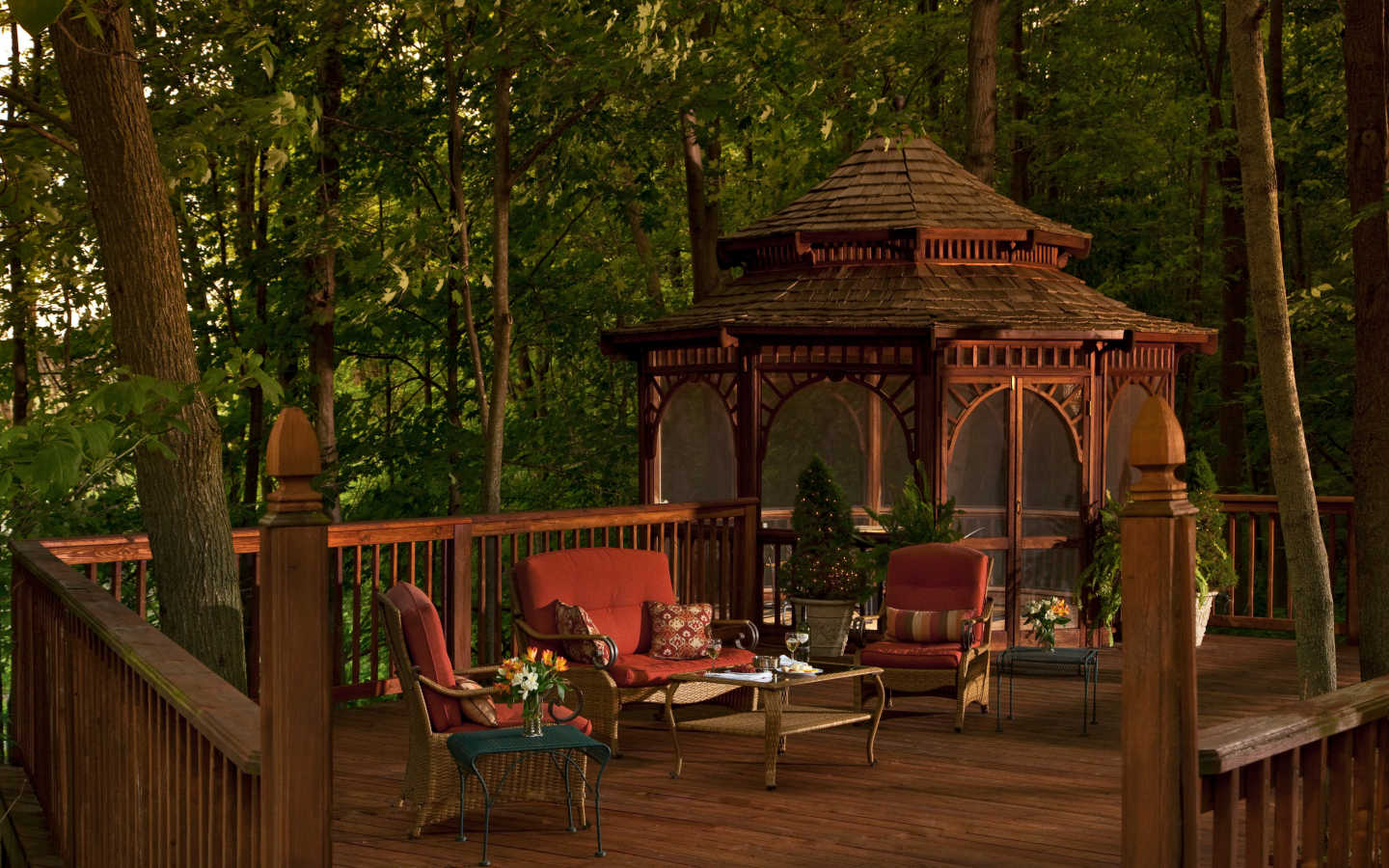 outdoor Gazebo at Michigan wedding venue