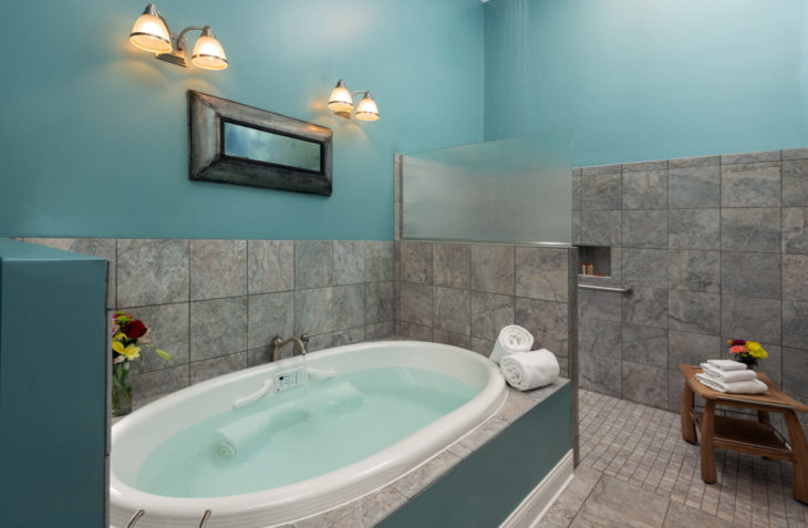 Two person whirlpool tub.