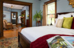 Kingdom Suite King Bed, Fireplace & Jacuzzi Tub