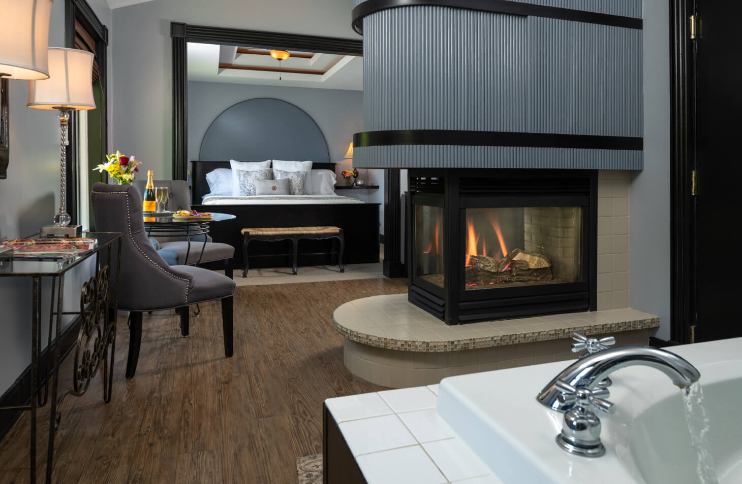 Sir Lancelot Suite Soaking Tub, Fireplace and King Bed