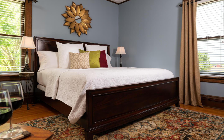 Kingdom Suite King Bed