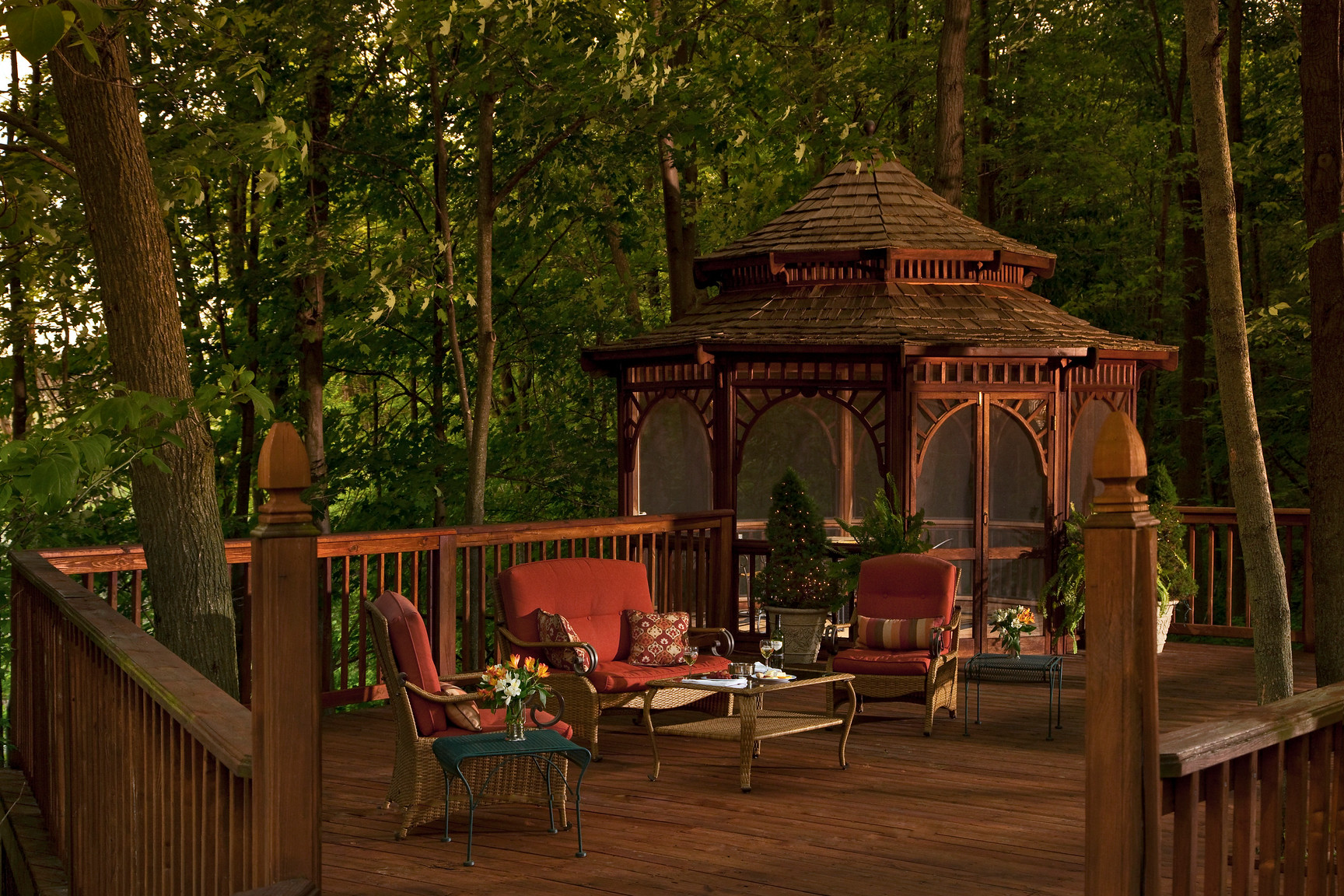 Romantic getaways in Michigan with a gazebo
